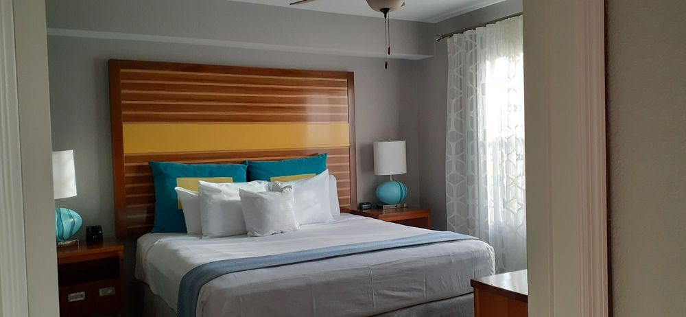 Bluegreen_Vacations_Fountains_Ascend_Resort_Collection_Master_Bedroom_715c0ccc19.jpg