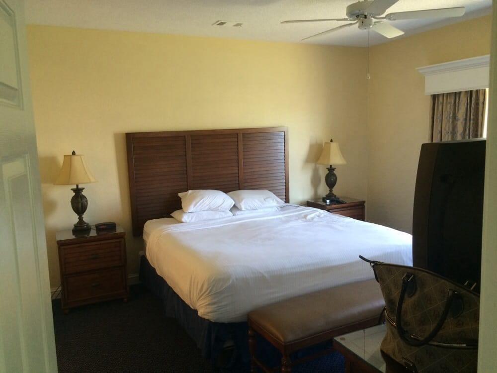 Bluegreen_Vacations_Harbour_Lights_Bedroom_7186ec5c5d.jpg