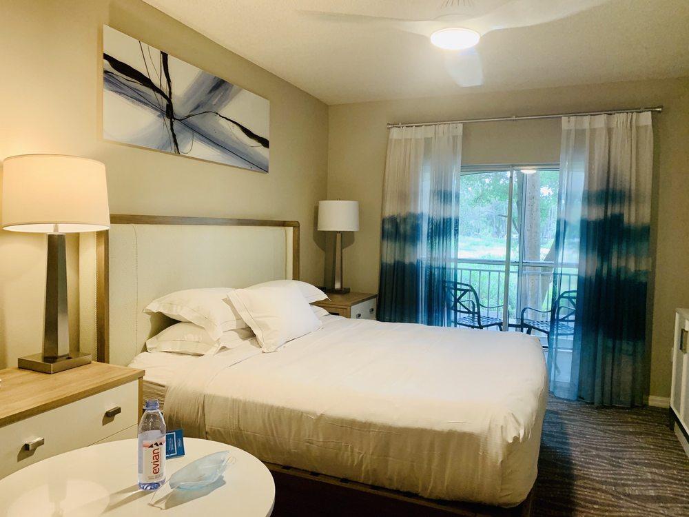 Hilton_Grand_Vacations_at_Sea_World_Bedroom_5213c9d0f6.jpg