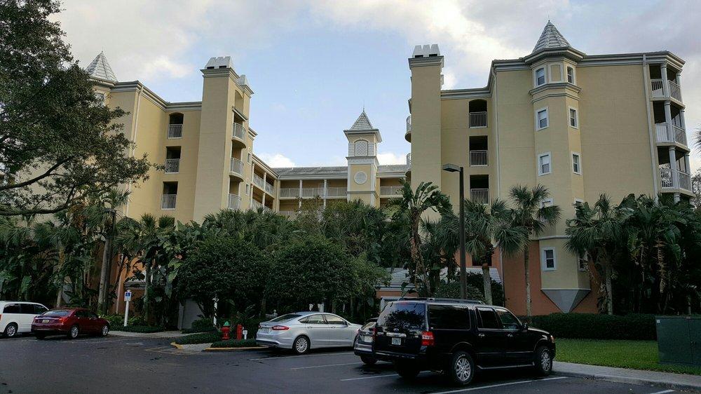 Hilton_Grand_Vacations_at_Sea_World_Exterior_c84a595c66.jpg