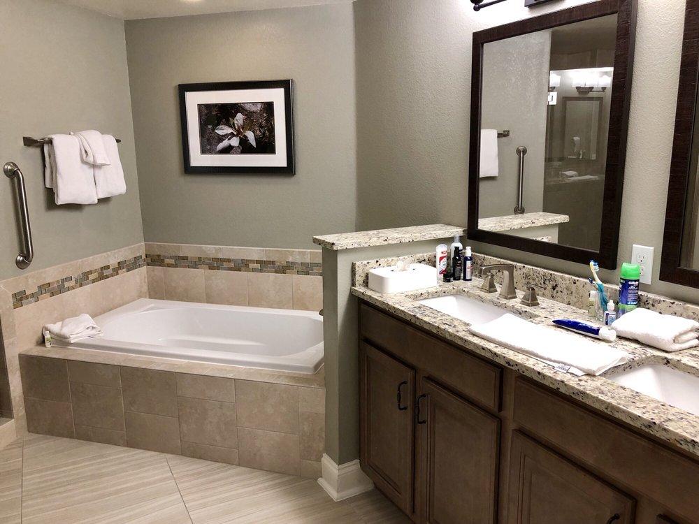 Holiday_Inn_Club_Vacations_at_Orange_Lake_Resort_Bathroom_bee855e1e6.jpg