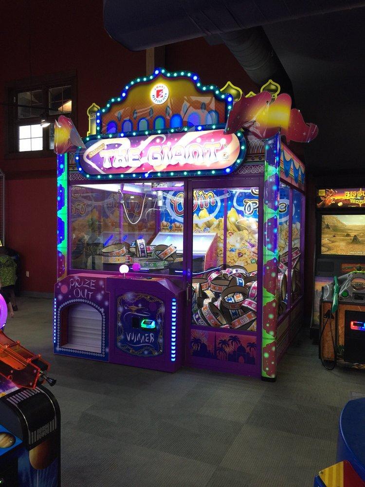 Massanutten_Resort_Game_Room_588d2a1b16.jpg