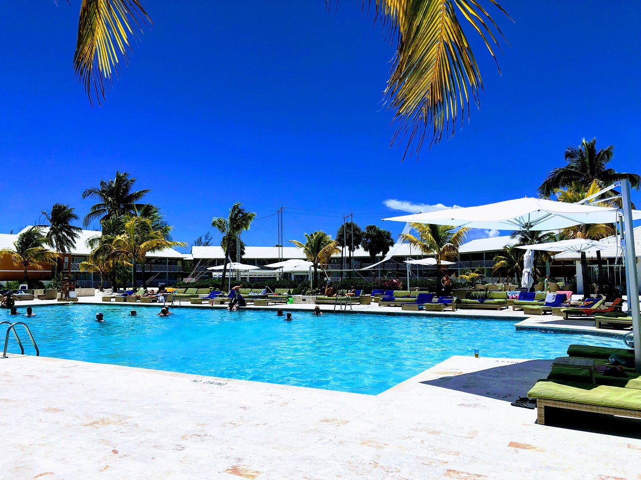 Viva_Wyndham_Fortuna_Beach_Pool_0894a293ba.jpg