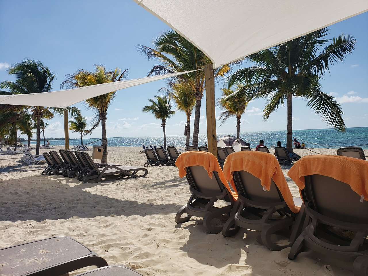 Viva_Wyndham_Fortuna_Beach_Sitting_24561ef6d2.jpg