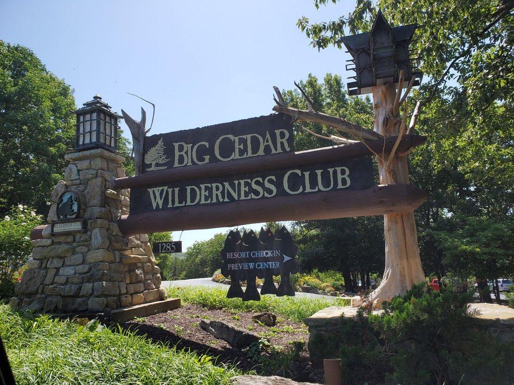 bluegreen_vacations_preview_center_at_big_cedar_Entrance_8da5a86bc5.jpg